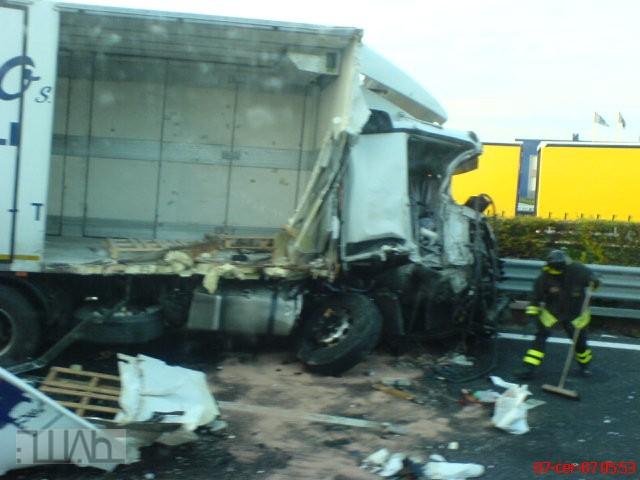 nehoda-nakladni-auto